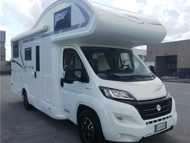 Camper 6 posti Mc Louis 326G